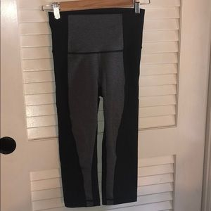 Lululemon crop leggings black and grey